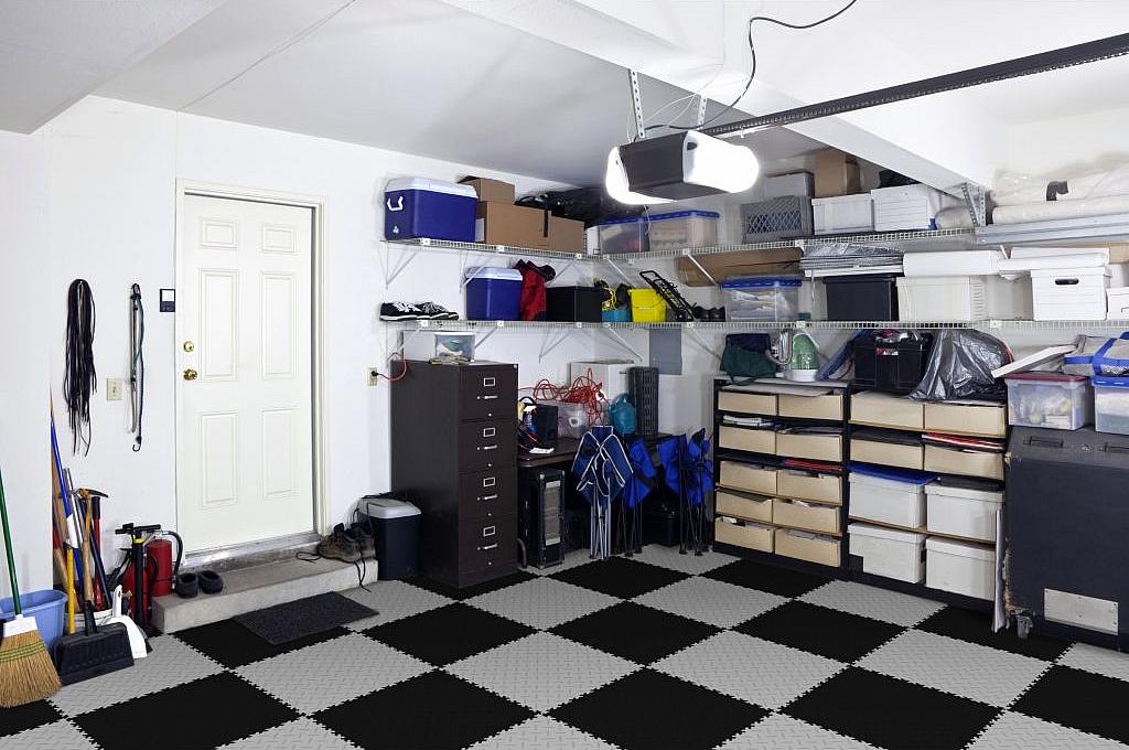 Бригада строителей гаража